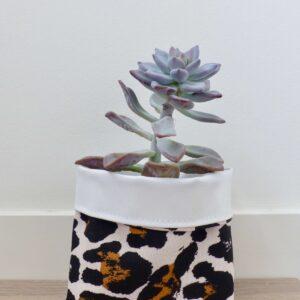 Featherbag, plantentasje , Middel ( omtrek 30cm ) Leopard panter print