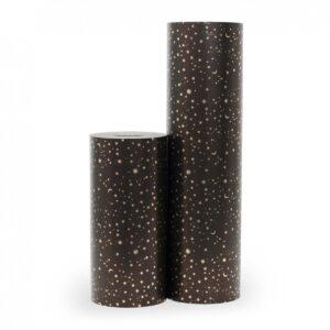 Kadopapier / inpakpapier , 50cm x 70 cm, Zwart met gouden / koper sterretjes maantje , per velKadopapier / inpakpapier , 50cm x 70 cm, Zwart met gouden / koper sterretjes maantje , per vel
