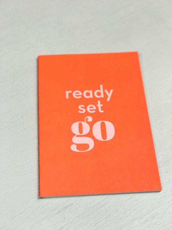 Schriftje A5 `Happy` Neon orange, Ready Set Go