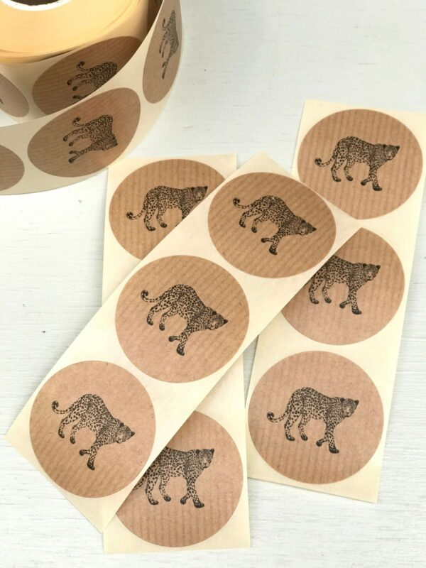 Sticker, rond 50mm, Walking leopard panter kraft ( per 10 stuks )