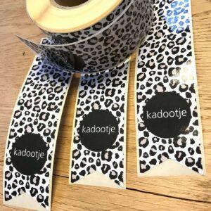 Sticker, vaantje lang, Panter zwart wit grijs taupe `Kadootje` ( per 5 stuks )